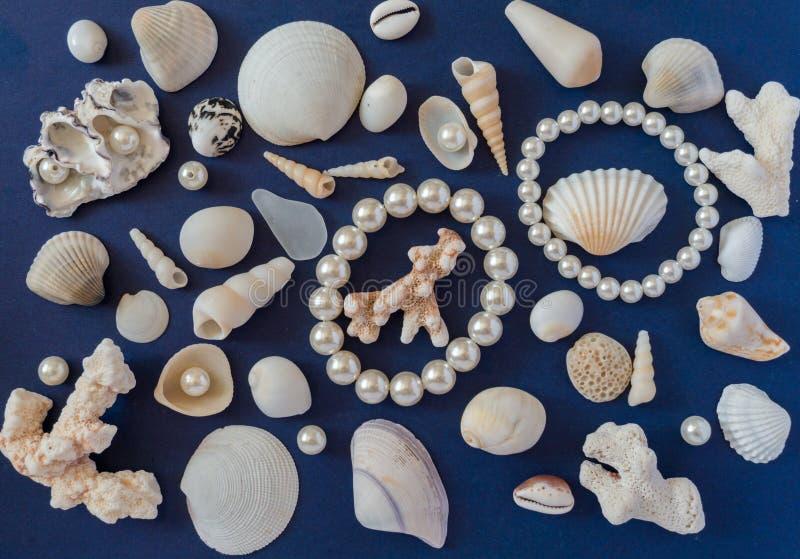 Shelles y perlas imagenes de archivo