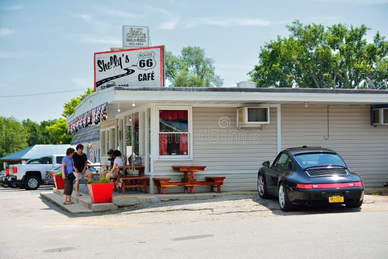Shellys Route 66 kafé i Kuba royaltyfri foto