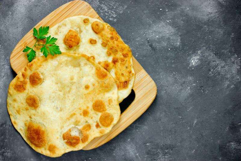 Shelpek naan fritto della tortiglia della pita di piadina piano del pane del flatbread fotografia stock