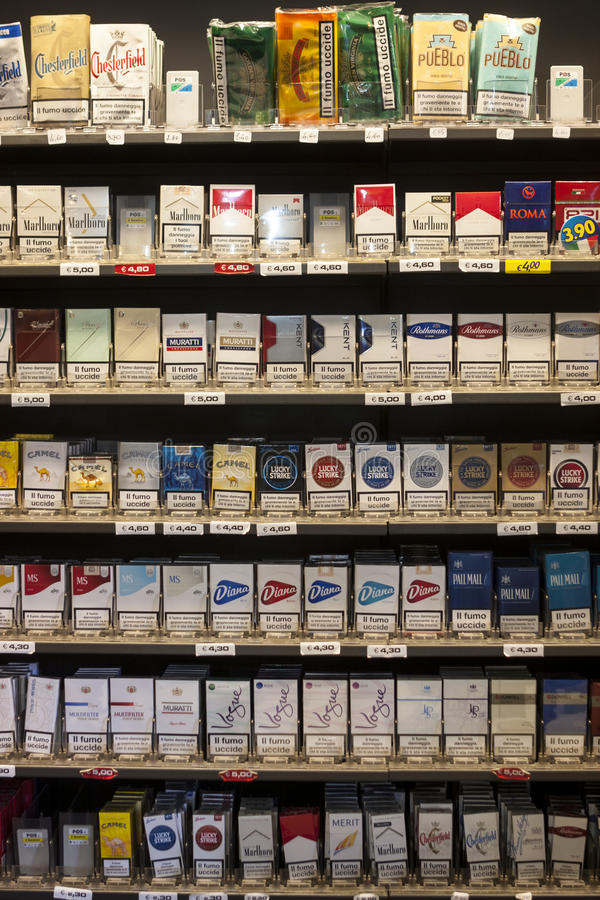 Free Shelving Cigarettes Packs. Shelves In A Shop Royalty Free Stock Images - 53086069