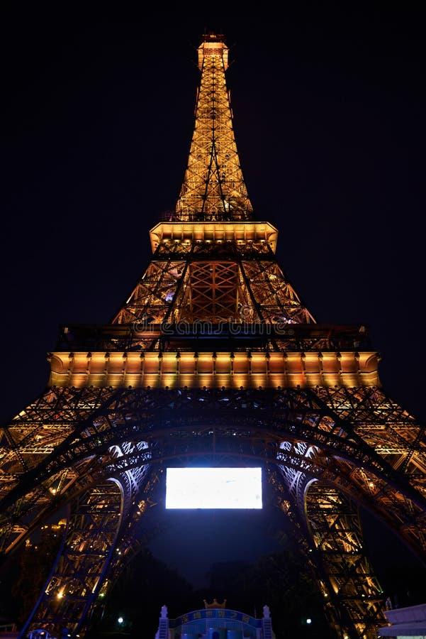 Shen Zhen Windows av världen i Kina på natten arkivfoto