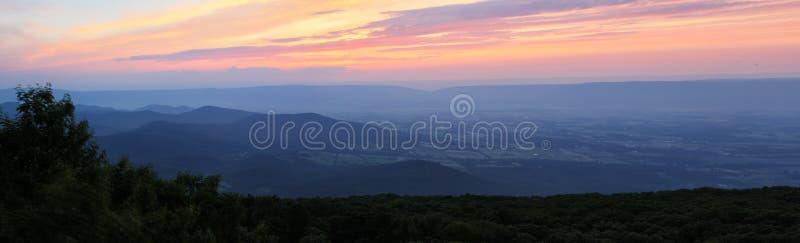Shenandoah solnedgång royaltyfri bild