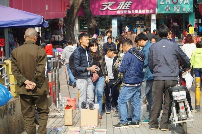 Shenzhen, Κίνα: η άκρη του δρόμου χρονοτριβεί το πωλώντας αεροπλάνο παιχνιδιών στοκ φωτογραφία με δικαίωμα ελεύθερης χρήσης