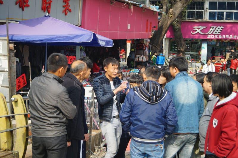 Shenzhen, Κίνα: η άκρη του δρόμου χρονοτριβεί το πωλώντας αεροπλάνο παιχνιδιών στοκ εικόνες