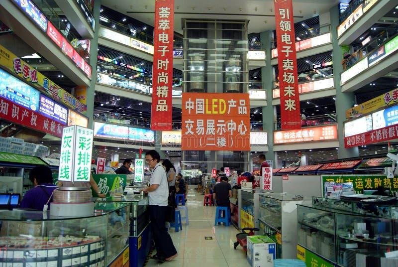 Shenzhen, Κίνα: ηλεκτρονικά προϊόντα που ανταλλάσσουν την αγορά στοκ εικόνες με δικαίωμα ελεύθερης χρήσης