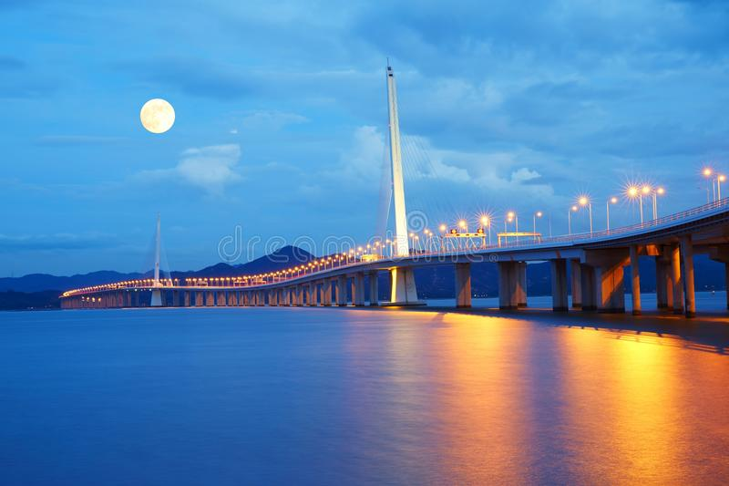 Shenzhen-Buchtbrücke, China stockfotos