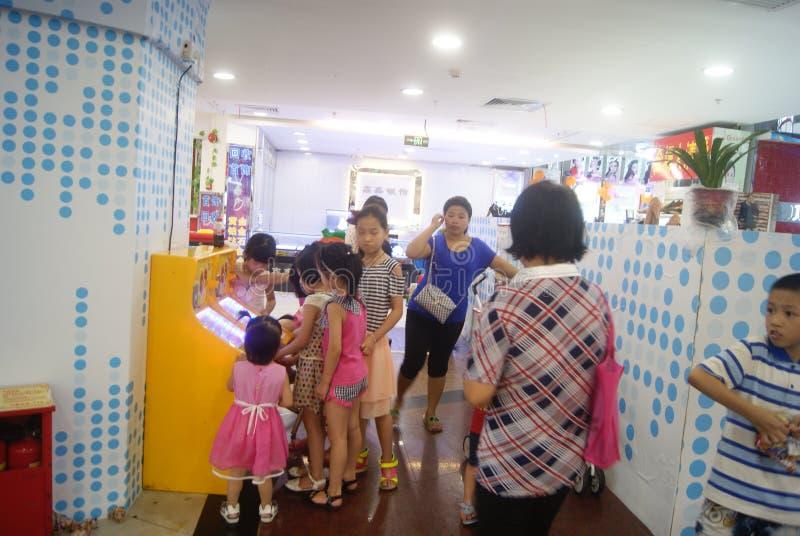 Shenzhen, China: de speelplaats van kinderen royalty-vrije stock afbeeldingen