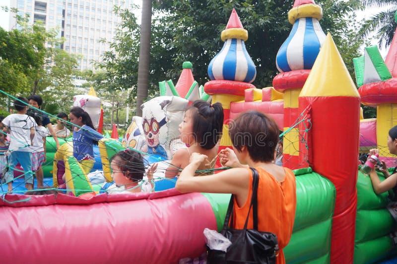 Shenzhen, China: de speelplaats van kinderen royalty-vrije stock foto