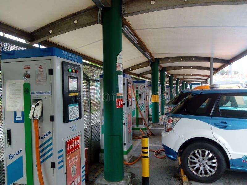Shenzhen, China: Elektro-Mobil-Ladestation und Aufladungsanlagen-Landschaft lizenzfreie stockfotos