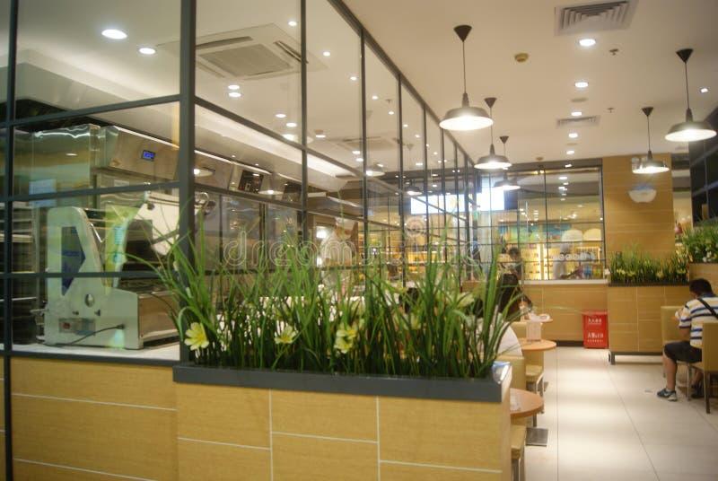 Shenzhen, China: loja do pão e do bolo foto de stock royalty free