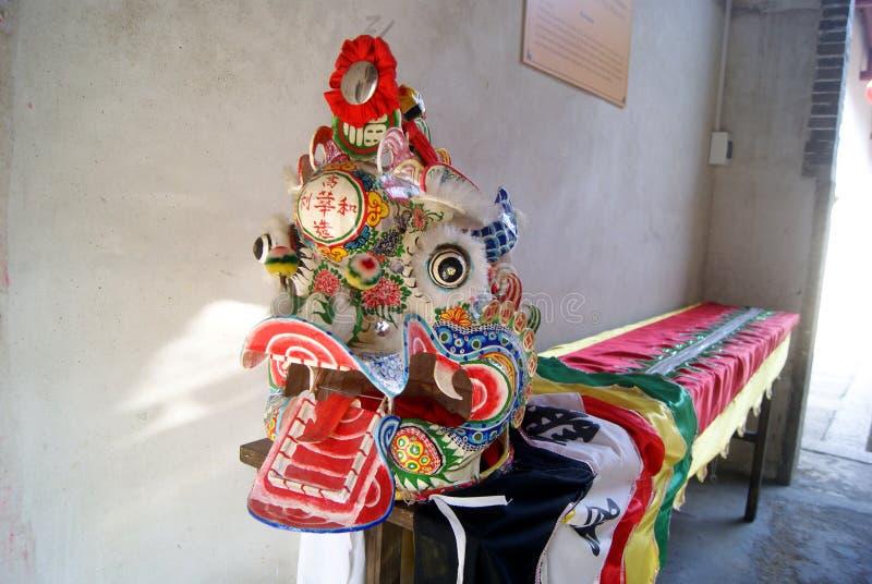 Shenzhen, China: paisaje de los trajes y de la escultura de la danza del kylin foto de archivo libre de regalías