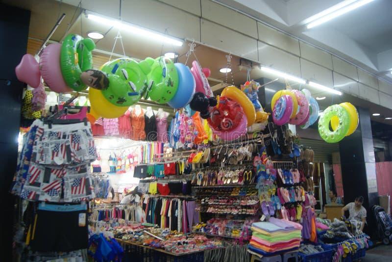 Shenzhen, China: schoenen en klerengroothandelsmarkt royalty-vrije stock fotografie