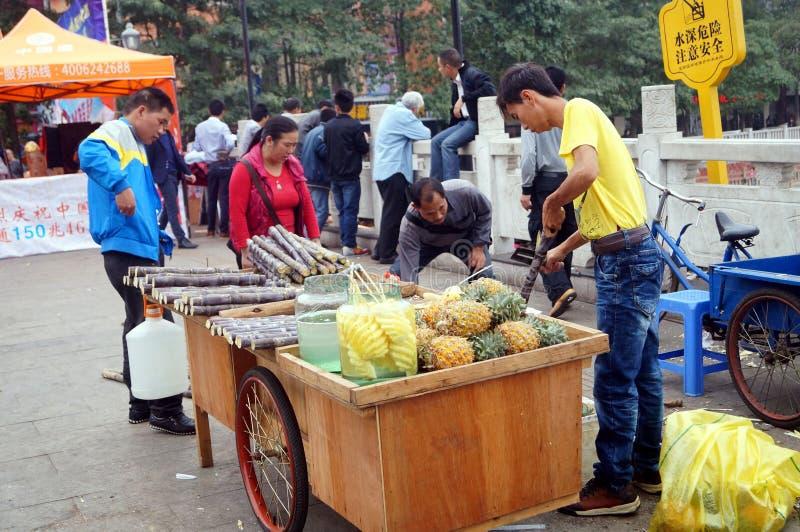 Shenzhen, China: Verkoop van suikerrietbox royalty-vrije stock foto's