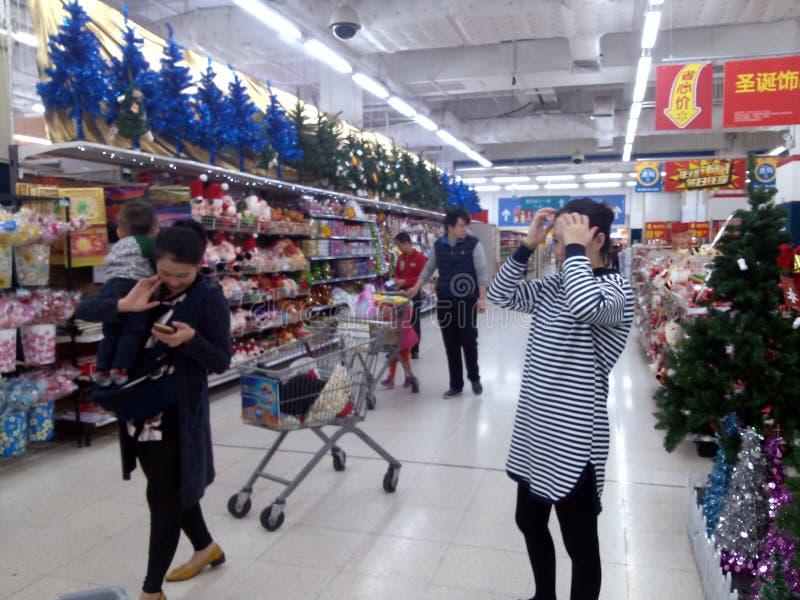 Download Shenzhen, China: Wal-Mart foto de archivo editorial. Imagen de indoor - 64213453