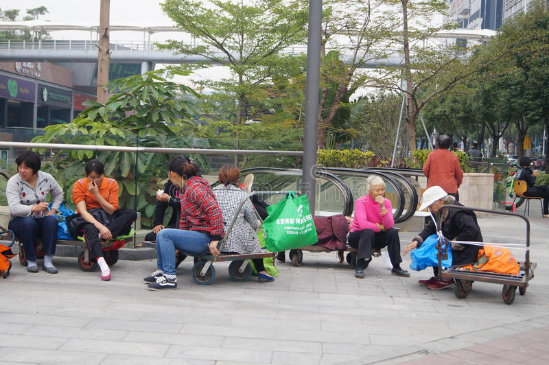 Shenzhen, Chine : Rue des travailleurs migrants image libre de droits