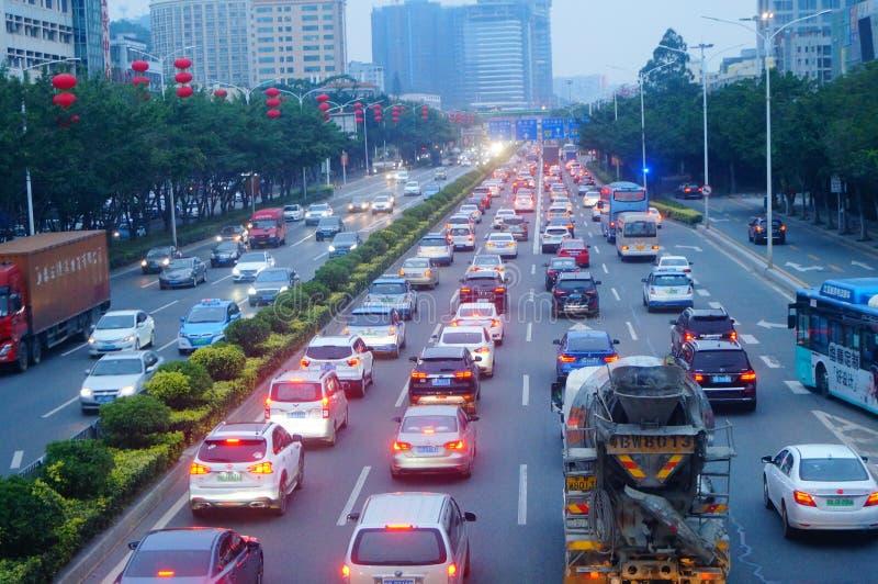 Shenzhen, Chiny: Kupczy krajobraz Bao «sekcja krajowe autostrady 107 w wieczór, obrazy royalty free