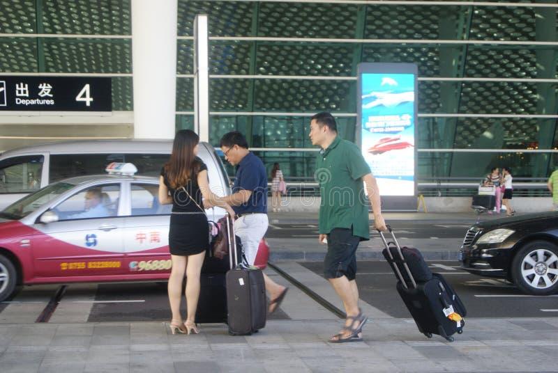 Shenzhen, Chiny: lotniskowy autostrada ruch drogowy obraz stock