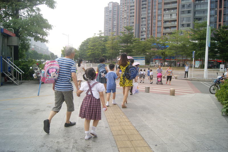 Shenzhen, Chiny: Xixiang alei skrzyżowania ruchu drogowego krajobraz zdjęcie stock