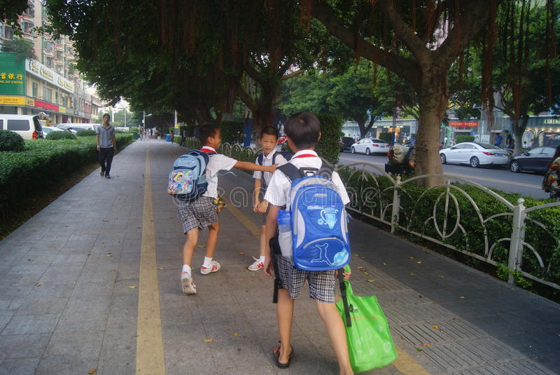Shenzhen, Chiny: Xixiang alei skrzyżowania ruchu drogowego krajobraz obrazy stock