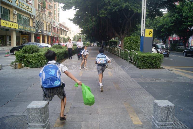 Shenzhen, Chiny: Xixiang alei skrzyżowania ruchu drogowego krajobraz fotografia royalty free