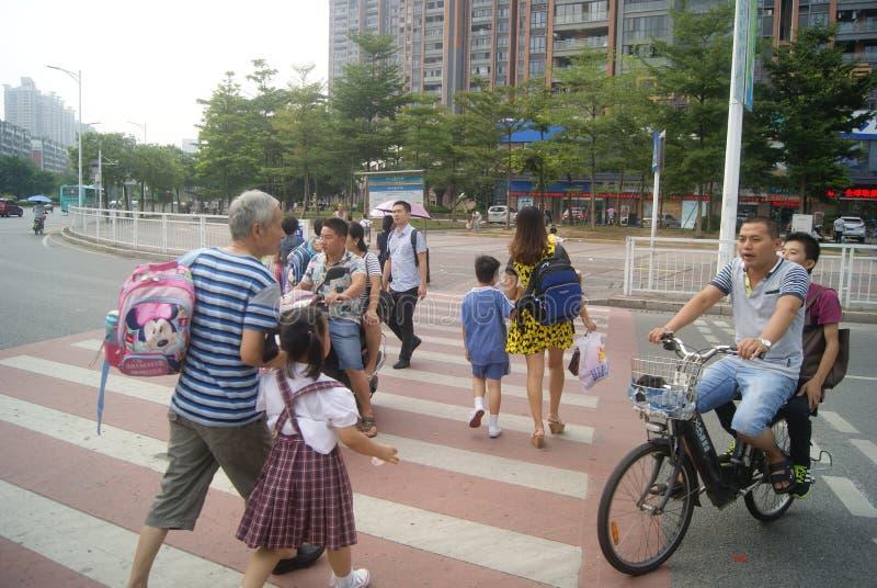 Shenzhen, Cina: Paesaggio di traffico dell'intersezione del viale di Xixiang fotografie stock libere da diritti