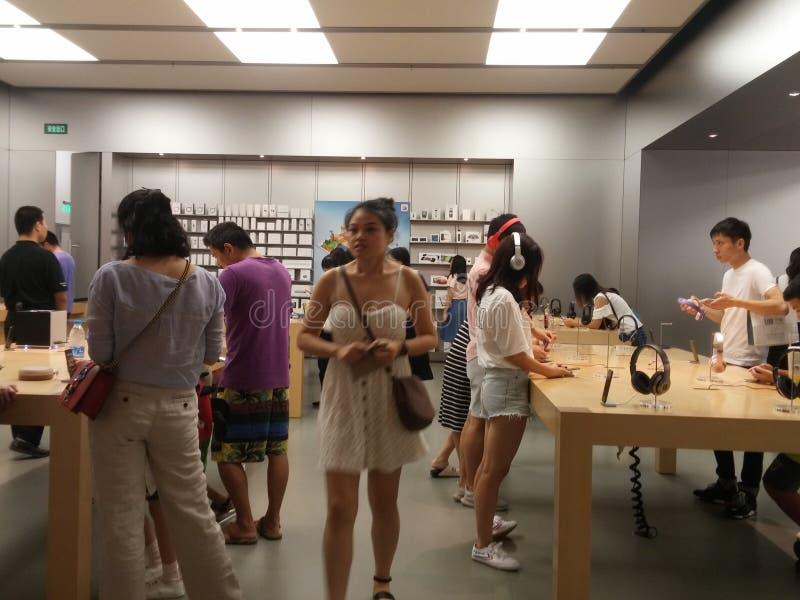 Shenzhen Kina: Lager för Apple mobiltelefonmonopol royaltyfri foto