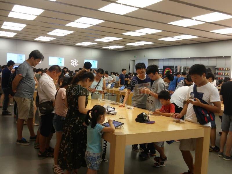 Shenzhen Kina: Lager för Apple mobiltelefonmonopol fotografering för bildbyråer