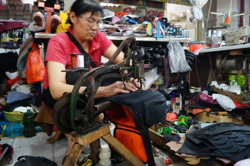 Shenzhen Kina: reparationsskostall royaltyfria bilder