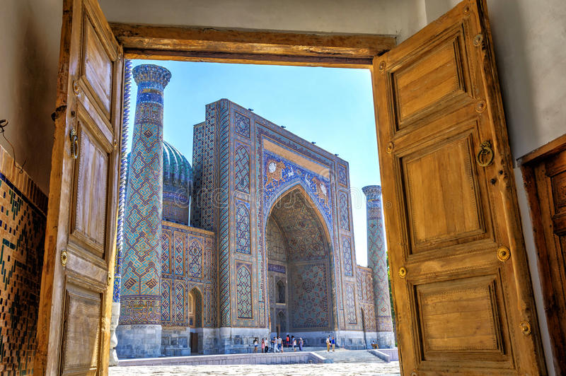 Sher-Dor Madrasah, Samarkand Registan, Uzbekistán fotos de archivo