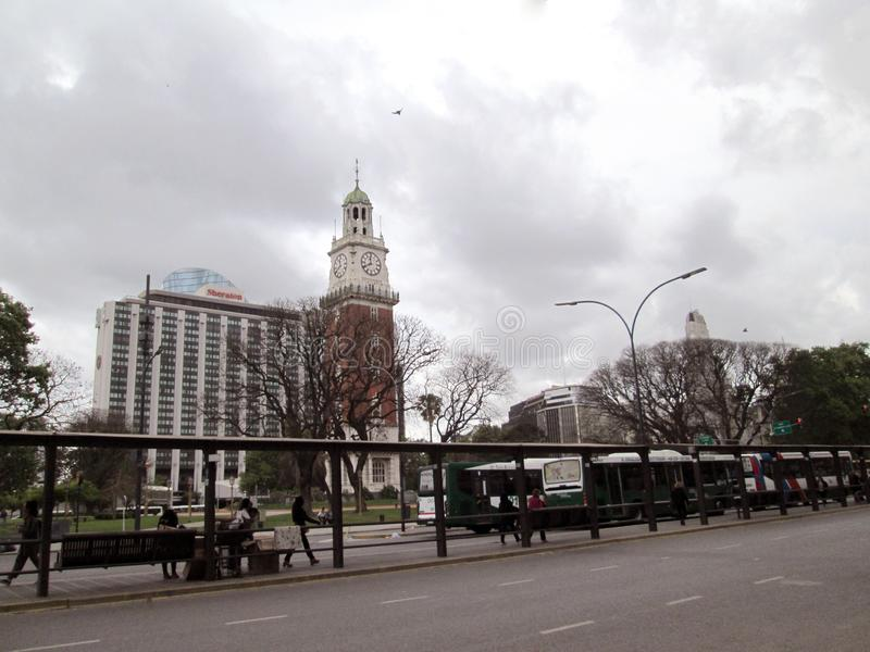 Sheraton Hotel und Sheraton Hotel und Torre de Los Ingleses in Retiro Buenos Aires Argentinien stockbilder