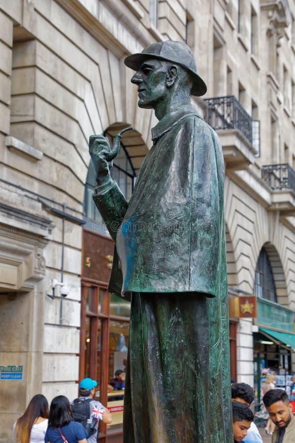 Sherlock Holmes en el panadero Street fotos de archivo libres de regalías