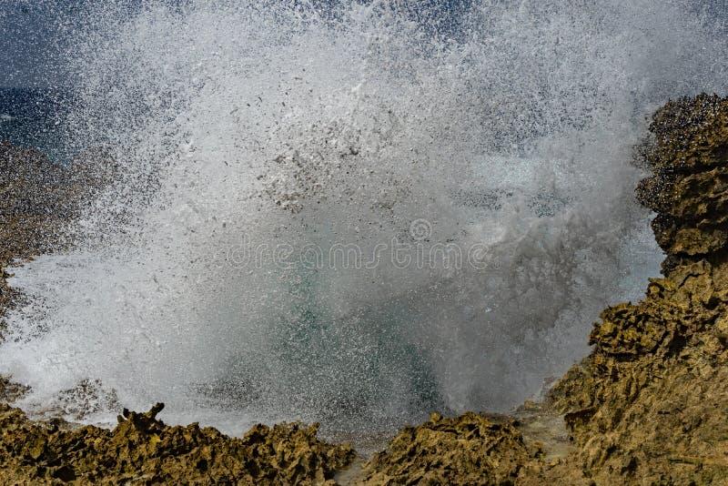 Shete博卡队-碰撞的波浪 库存图片