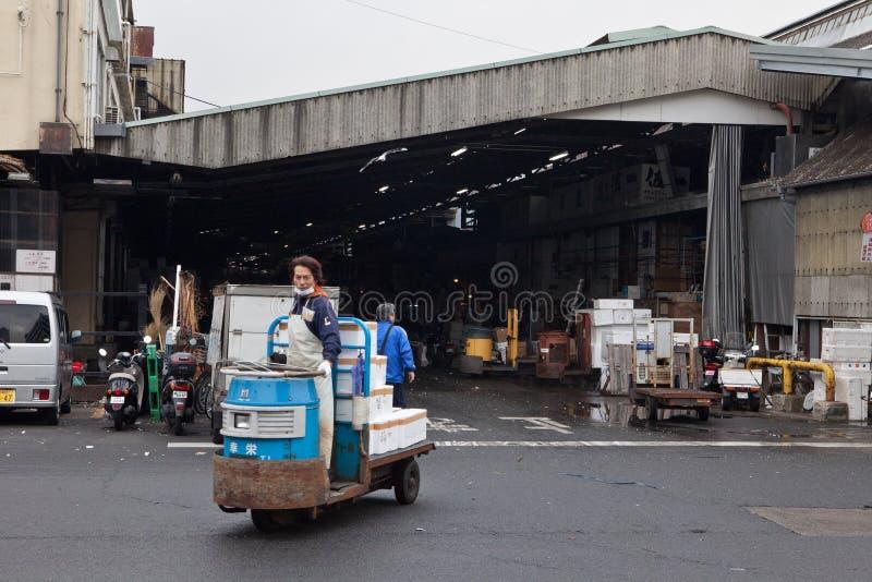 Shibuyafiskmarknaden tidigt på morgonen arkivbilder