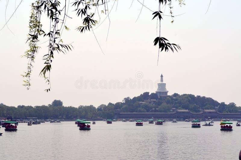 Shichahai sceniskt område nära Peking Kina royaltyfria foton