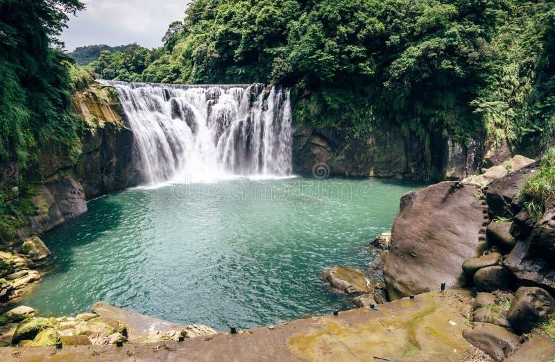 Shifen siklawa, Nowy Taipei, Tajwan zdjęcia royalty free