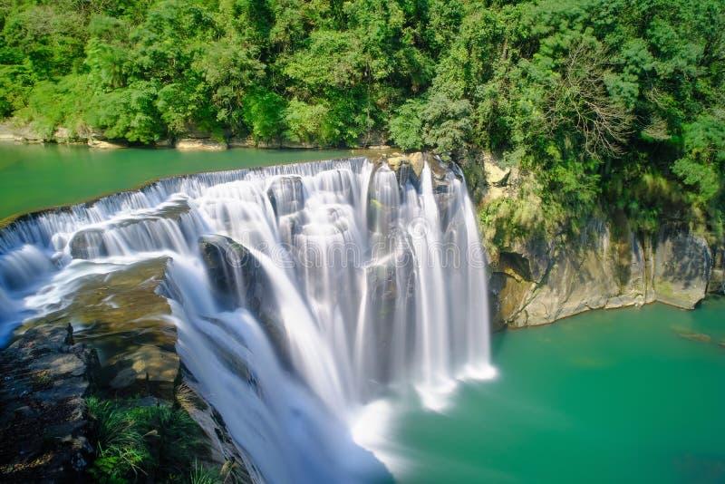 Shifenwaterval - Beroemd aardlandschap van Taiwan, schot in Pingxi-District, Nieuw Taipeh, Taiwan royalty-vrije stock afbeelding