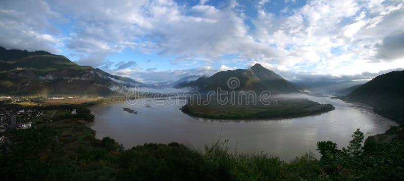 Download The Shigu Town - Yangtze River First Bay Stock Photo - Image: 7548152