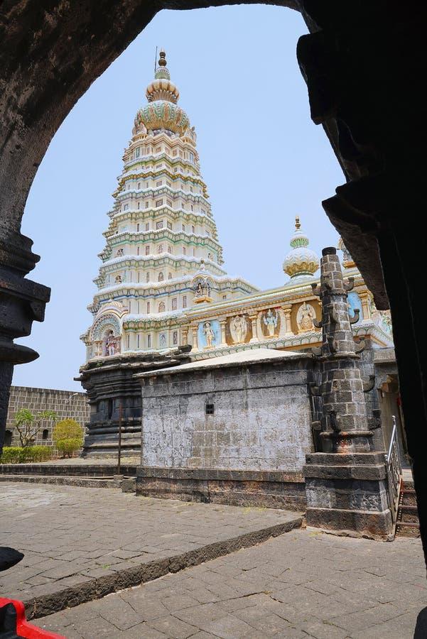Shikhara - den koniska toppen av den hinduiska templet Aundh tempel, Satara, Maharashtra, Indien royaltyfri bild