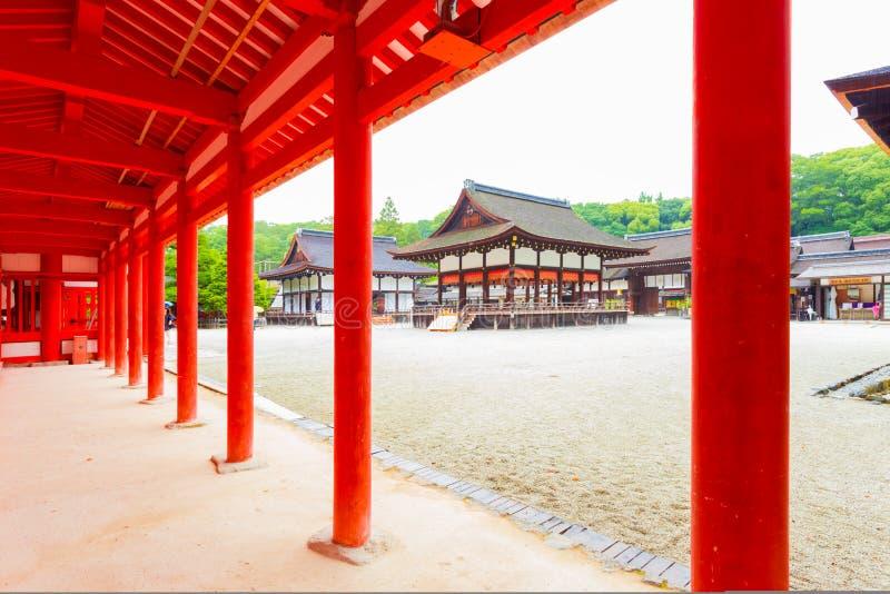 Shimogamo świątyni Wewnętrzni Podwórzowi budynki fotografia stock