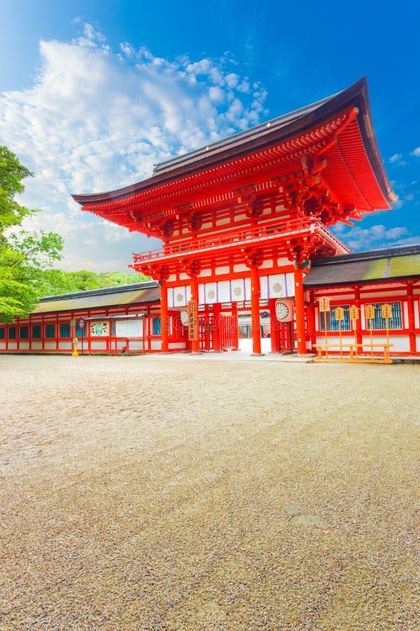 Shimogamo magistrali przodu niebieskiego nieba świątynia Wędkujący drzwi V obraz stock