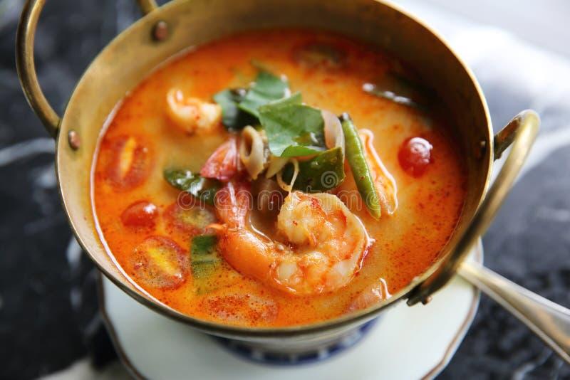 Shimp Tom polewka yum, Tajlandzki jedzenie zdjęcia stock