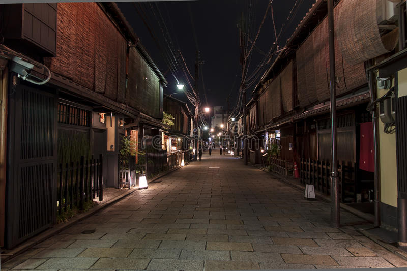 Shinbashi-doristraße in Gions-Bezirk in Kyoto, Japan. stockfoto