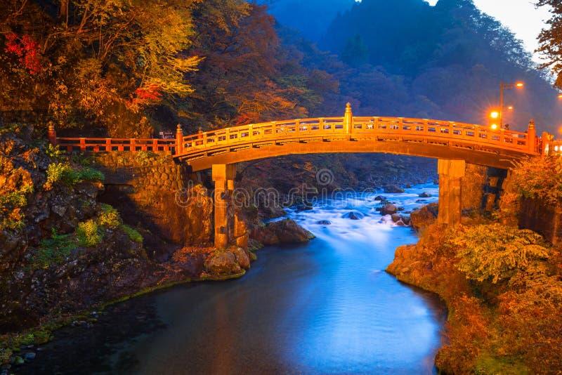 Shinkyo most podczas jesieni w Nikko, Tochigi, Japonia fotografia stock