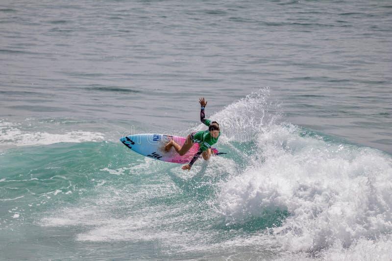 Shino Matsuda surfing w samochodów dostawczych us open surfing 2019 zdjęcie stock
