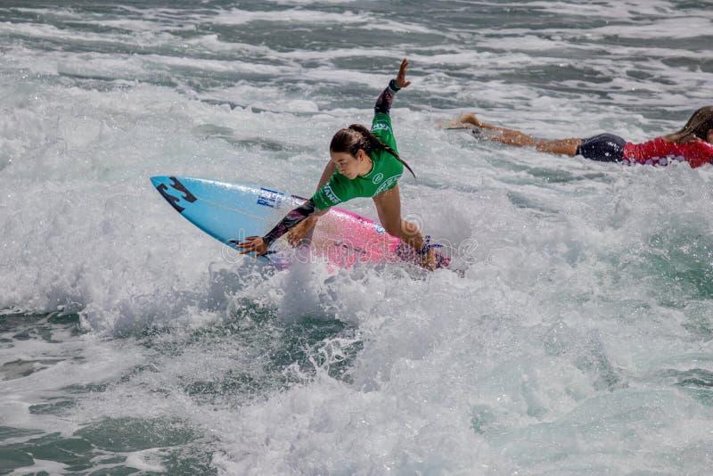 Shino Matsuda surfing w samochodów dostawczych us open surfing 2019 obrazy stock