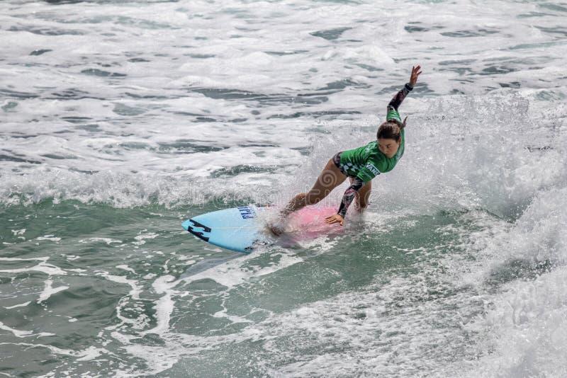 Shino Matsuda surfing w samochodów dostawczych us open surfing 2019 zdjęcie royalty free