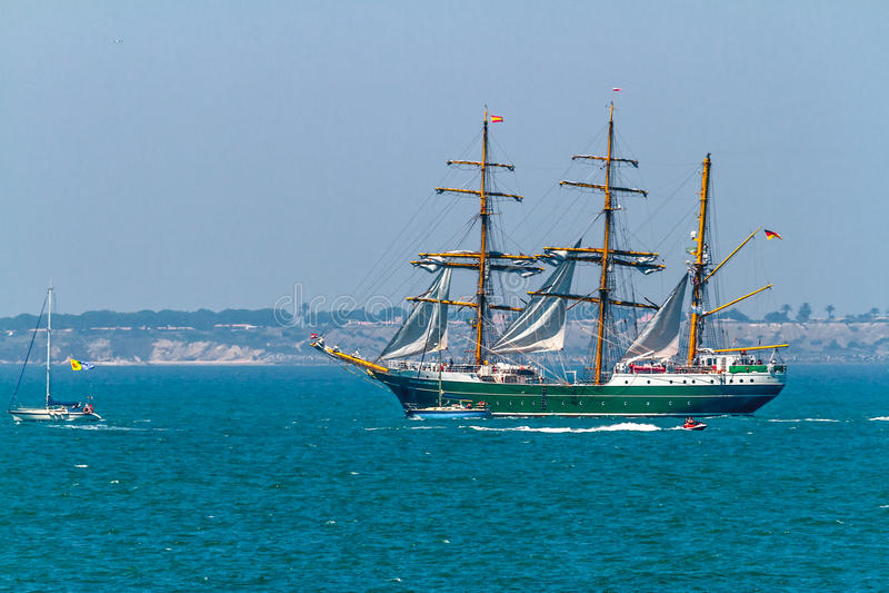 Download Ship Alexander Von Humboldt II Editorial Image - Image: 27036340