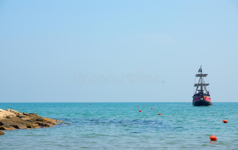 Download Ship Approaching The Shore Royalty Free Stock Photos - Image: 26061128