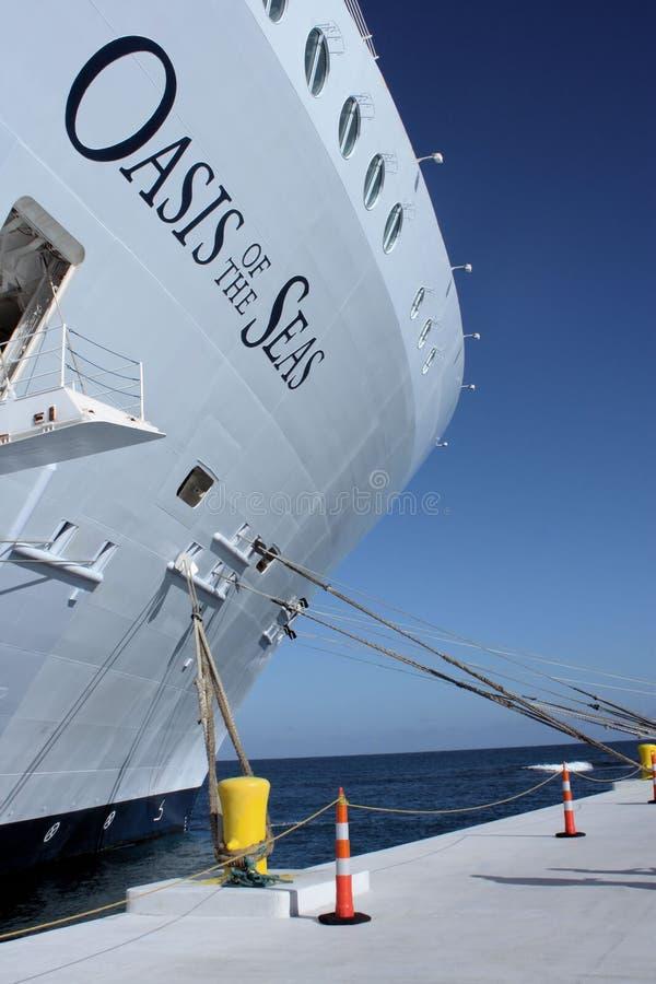 Download Ship för kryssningoashav redaktionell arkivfoto. Bild av hamn - 23063933
