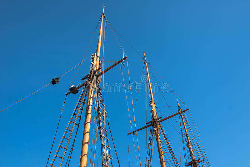Download Ship Mast stock image. Image of vessel, historic, pulley - 40014961